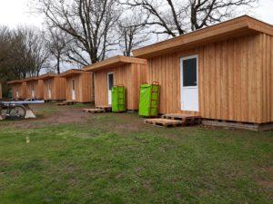 huit modules réalisé en palette EPAL dans un camping en aveyron